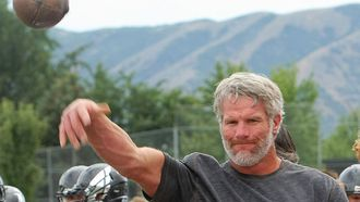 Watch Brett Favre throw footballs at glass plates on