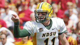 Eagles grab North Dakota State QB Carson Wentz with No. 2 pick
